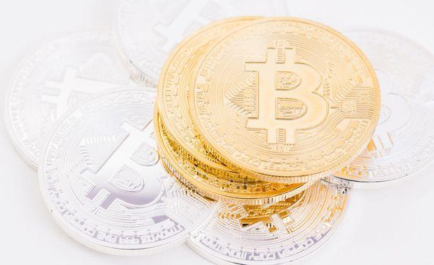 Keskusrikospoliisin mukaan terrorismi- ja rahanpesurikoksissa hyödynnetään muun muassa Bitcoin-automaatteja. Kuvituskuva.
