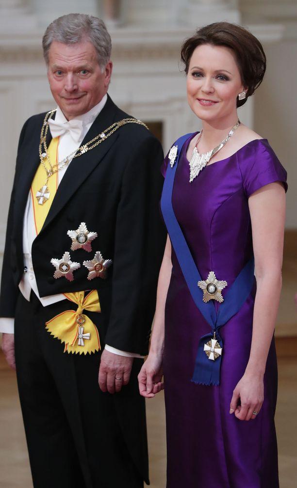 Olisiko tasavallan presidentti Sauli Niinistö palannut ikinä Suomeen ilman kohtaamistaan Jenni Haukion kanssa keskustelutilaisuudessa elokuussa 2006? Myös Niinistö pohti asiaa vuonna 2018 julkaistussa Presidentti ja porvarivalta -kirjassa.