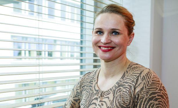 Karoliina Blackburn näyttelee freelancerina ja toteuttaa vähän erikoisempiakin produktioita.