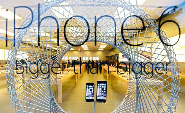Applen kaikkien aikojen myydyin puhelinmalli oli iPhone 6, josta on vaikea pistää paremmaksi. Apple-kauppa Texasissa 2014.