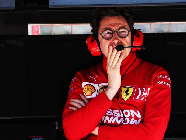 Mattia Binottolla riittää surkeasti sujuneen alkukauden jälkeen mietittävää. Ferrari toi Espanjaan uuden, päivitetyn voimayksikön, mutta siitä ei ollut tallille mitään apua, kun Sebastian Vettel jäi neljänneksi ja Charles Leclerc viidenneksi.