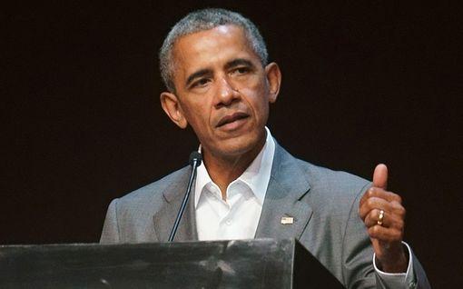 Malia Obama, 19, lähti yliopistoon - Barack-isä murtui kyyneliin