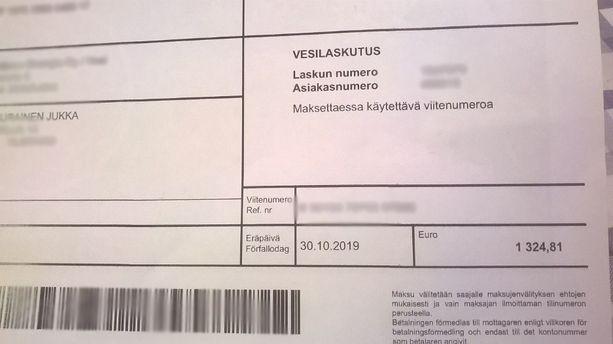 Kuvassa Jukka Tuppuraisen saama lasku. Summa sai mielikuvituksenkin hiukan laukkaamaan.