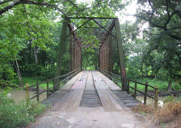 Tämän sillan ympäristöön Small hävitti vaimonsa ruumiin osat.