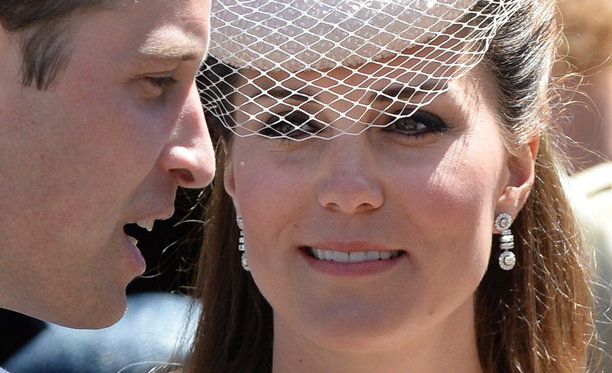 Catherine teki oman meikkinsä myös häissään vuonna 2011. Kuvassa William ja Catherine kesäkuussa 2013.