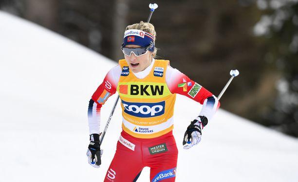 Therese Johaug on yhä Tourin ylivoimainen voittajasuosikki, sillä norjalainen on häikäisevän hyvä loppunousussa.