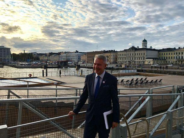 Pekka Haavisto valitsi kampanjansa symboliksi leijonan. Kampanjapäällikkö Riikka Kämpin mukaan idea tuli siitä, kun Haavisto sanoi vihreiden puoluekokouksessa, että vihapuheen ylläpitäjät haluavat kaapata kansalliset symbolit, Suomen lipun ja leijonavaakunan.