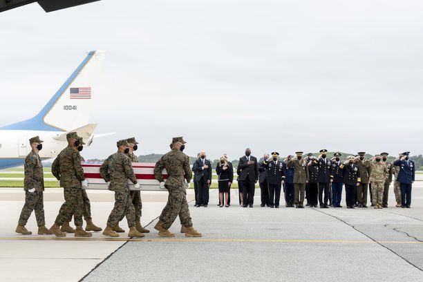 Isiksen Afganistanin-haara ISKP ennätti tehdä terrori-iskun Kabulin lentokentälle torstaina 26. elokuuta vain päiviä ennen kuin Yhdysvallat vetäytyivät maasta. Iskussa kuoli vähintään 90 afgaania sekä 13 amerikkalaissotilasta.
