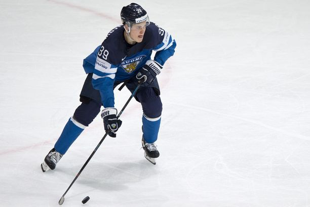 Puljujärvi viiletti Ranskan MM-kisoissa Leijona-paidassa.