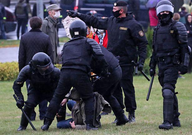 Tietojen mukaan Valko-Venäjällä pidätettiin yli 500 ihmistä sunnuntaina.
