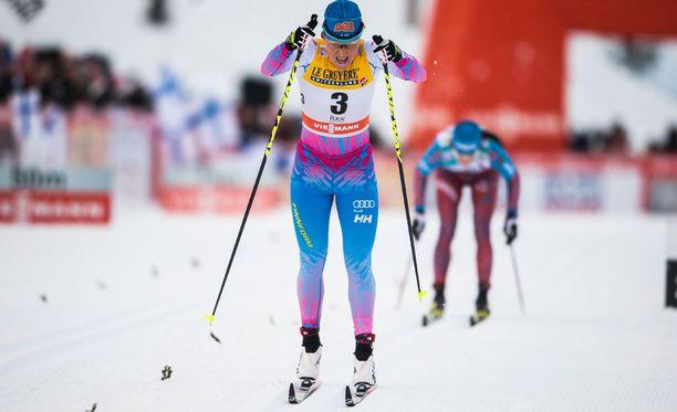 Aino-Kaisa Saarinen oli tyytyväinen hiihtoonsa Otepäässä.