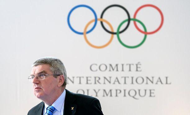 Kansainvälisen olympiakomitean puheenjohtaja Thomas Bach ei halua antaa erityiskohtelua NHL-pelaajille talviolympiakisoissa.