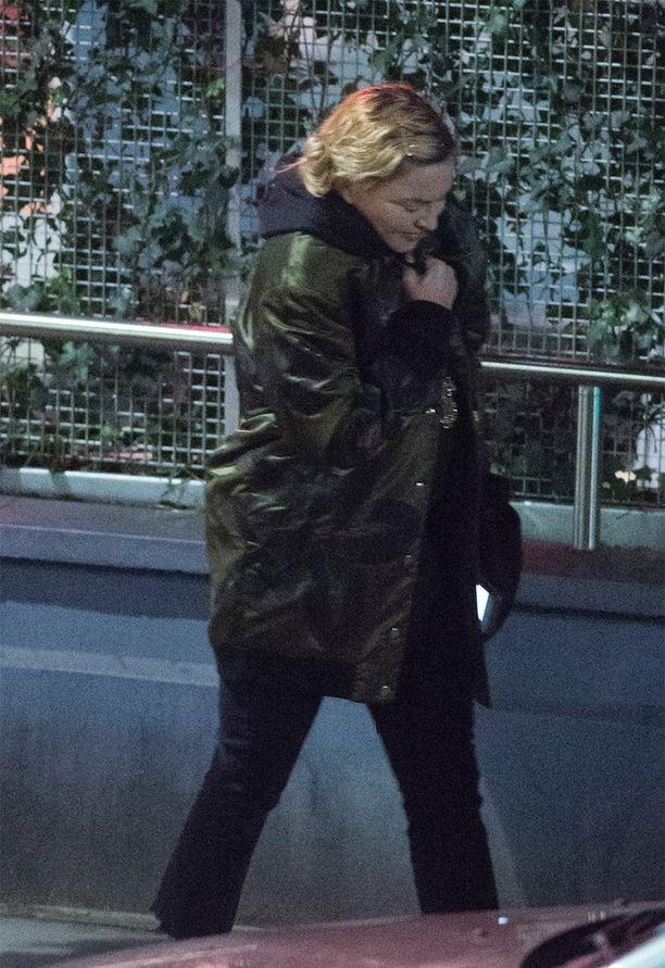 Madonna bongattiin Lontoossa.