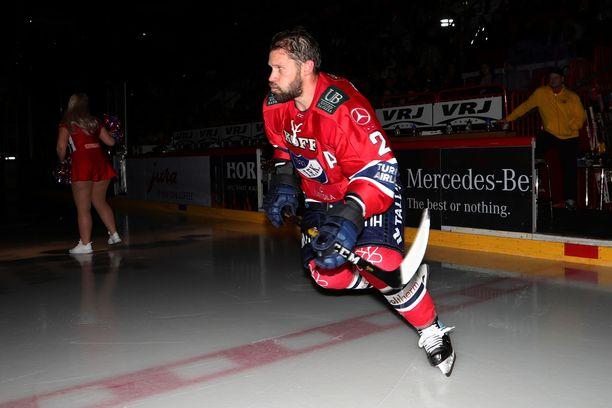 Markus Kankaanperän jykevä hahmo on tuttu näky liigakaukaloissa jo kolmelta vuosikymmeneltä.