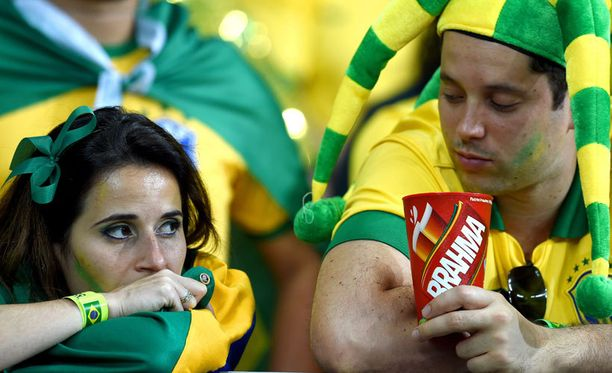 Ei tässä näin pitänyt käydä, Mineirao-stadionin katsomossa mutistiin.