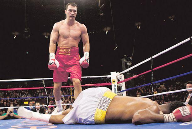 Calvin Brock kaatui seitsemännessä erässä Wladimir Klitshkon nyrkkeihin.
