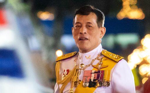 Nainen sai 43 vuoden vankilatuomion playboy-kuninkaan arvostelusta Thaimaassa