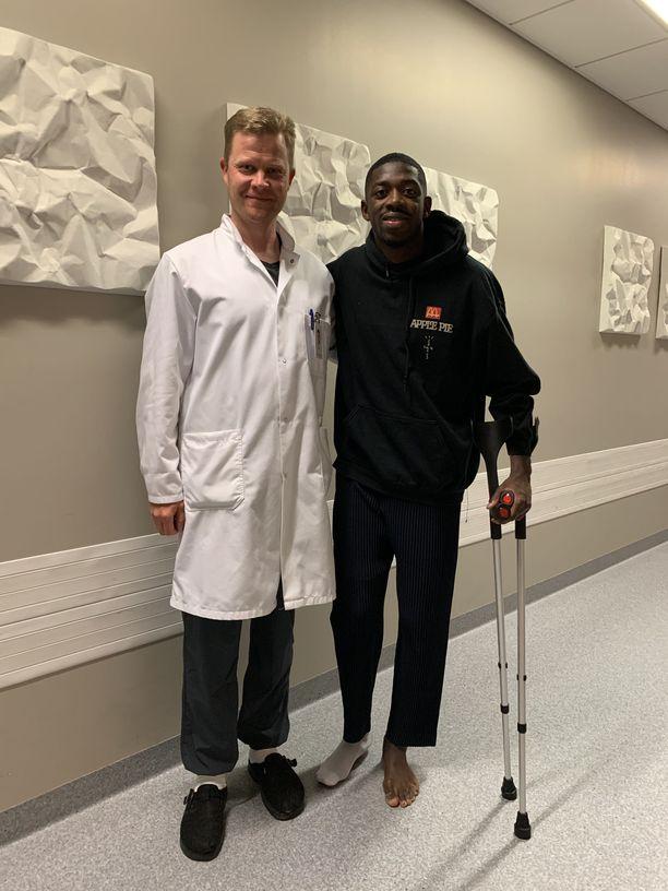 Lasse Lempainen ja Ousmane Dembélé olivat tyytyväisiä leikkaukseen.