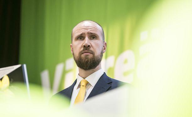 Kokoomuksella ja vihreillä on ainoina puolueina keskimäärin yli 20 prosentin kannatustaso yli 100 000 asukkaan kaupunkien kuntavaalituloksissa.