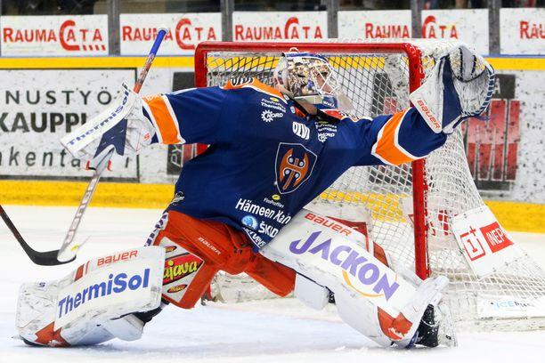 Christian Heljanko torjui kolmannessa erässä 22 kertaa.