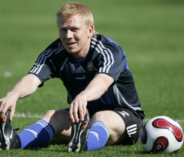 Aki Riihilahti on edustanut seuratasolla Djurgårdenin lisäksi HJK:ta, Vålerengaa, Crystal Palacea ja Kaiserslauternia.