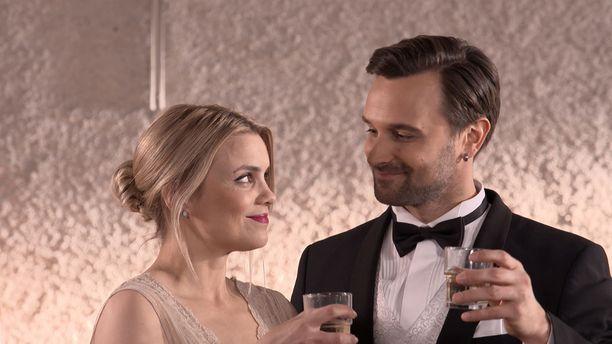 Syksyn ensimmäisessä jaksossa juhlitaan Jirin ja Monican hääseremoniaa.