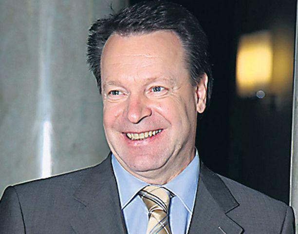 EI ENSIMMÄINEN KERTA Jyrki Katainen joutui selittelemään Kanervan tekstiviestikohua viimeksi kesäkuussa 2005.