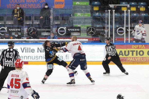 Kuuma ottelu eskaloitui lopussa tappeluksi. Vastakkain ottivat Kärppien Libor Sulak ja HIFK:n Miro Karjalainen.