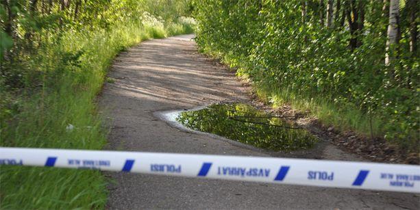 Viiden lapsen isä löytyi ammuttuna tämän pyörätien varrelta.