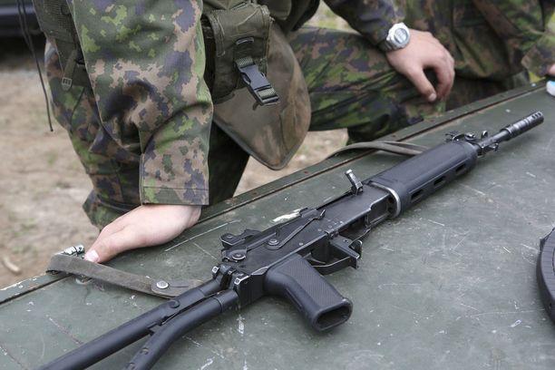 Rynnäkkökivääri varastettiin puolustusvoimilta Lahdessa. Kuvituskuva.