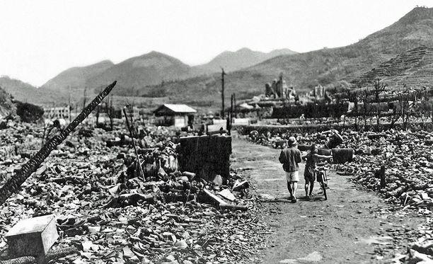 Alkuperäinen kuva Hiroshimasta pommituksen jälkeen.