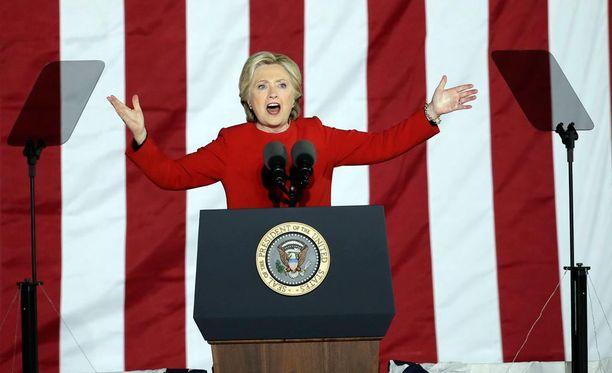 Demokraattien presidenttiehdokas Hillary Clinton puhui kannattajilleen viimeisen kerran kampanjatilaisuudessa Philadelphiassa.