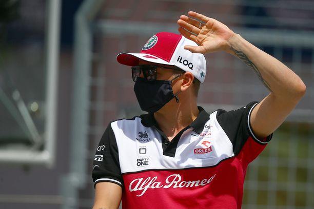Kimi Räikkönen on ohittajien listalla melko korkealla, vaikka Alfa Romeon suorituskyky ei ole ollut parhaasta päästä.