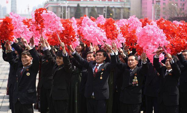 Pohjois-Koreassa on parasta hurrata kun käsketään. Muuten voi käydä huonosti.