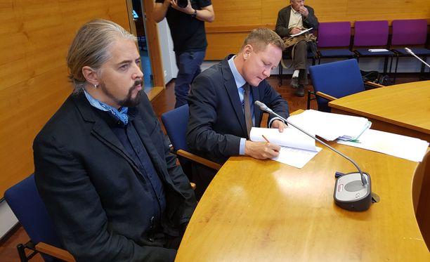 Jay Lewisilla on mahdollisuus hakea muutosta tuomioon Turun hovioikeudesta.