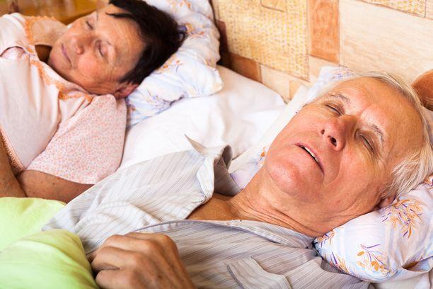 Eniten univaikeudet vähenivät niillä, jotka kokivat työssään psyykkistä kuormittuneisuutta ennen eläköitymistä.