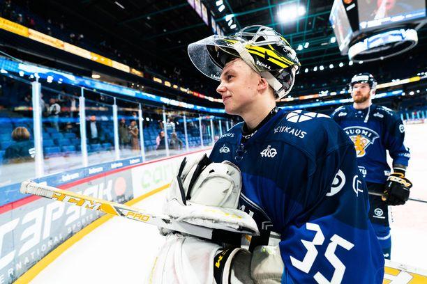 Veini Vehviläinen nollasi lauantaina Tshekin ja sunnuntaina Ruotsin.