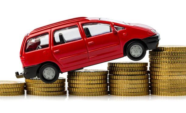 Uusi tiemaksu tarkoittaisi kiristynyttä verotusta asuinpaikasta riippumatta. Eniten hyötyisivät vähän ajavat uuden auton omistajat.