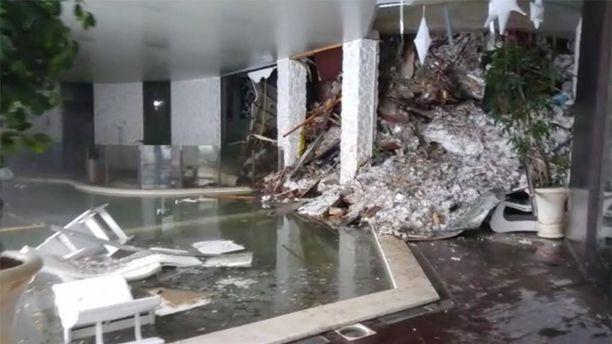 Tästä hotellin aulassa näyttää nyt.