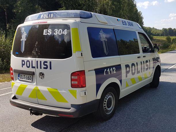 Pyöräilijä joutui henkilöauton kolhimaksi sunnuntaiaamuna Kangasniemellä Etelä-Savossa (arkistokuva).