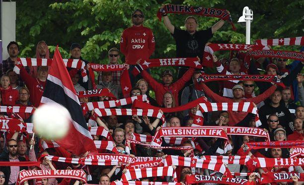 HIFK:lla riittää urheilullisia kannattajia.