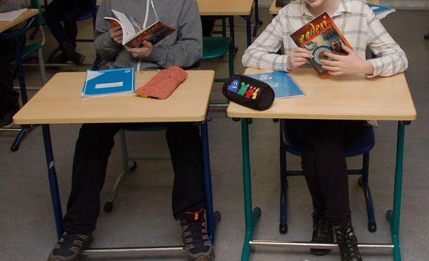 Sijaisopettajina työskentelevät tietävät, että oppilailla on tapana testata uutta opettajaa.