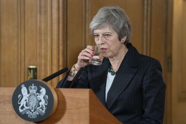 Theresa May taistelee asemastaan.