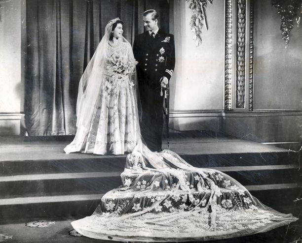 Kuningatar Elisabet ja prinssi Philip juhlivat viime marraskuussa 73. hääpäiväänsä.