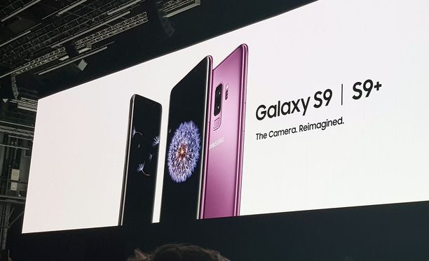 Samsung julkisti uudet puhelimensa Barcelonassa.