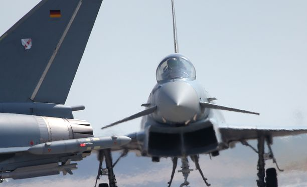 Eurofighter -hävittäjälentokone ilmailumessuilla Berliinissä toukokuussa 2016.