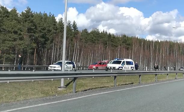 Iltalehden lukija kuvasi tapahtumapaikan neljän aikaan lauantaina iltapäivällä.