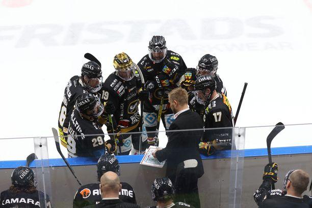 Oulun Kärpät jäi niukasti kuuden joukosta runkosarjassa.