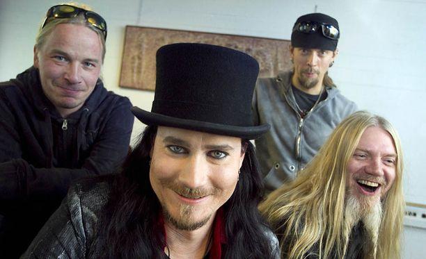 Nightwish nousi komeasti brittilistan kärkeen kahdeksannella albumillaan.