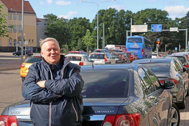 Suosin 2000 - 4000 euron hintaisia autoja, sanoo Timo Liespuu.